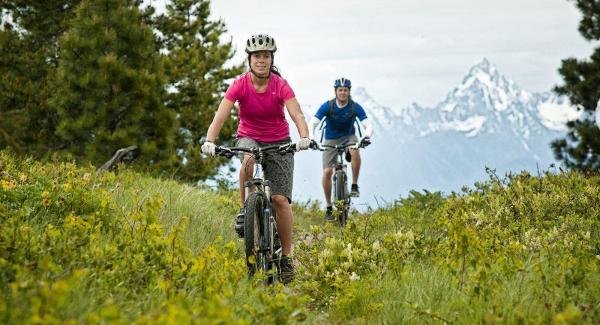 Actividades ecológicas al aire libre - Ir en bicicleta por el campo o la ciudad