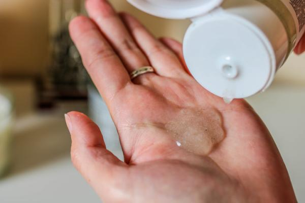Cosas que contaminan el medio ambiente - Cosméticos con microesferas