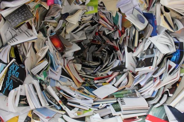 Por qué es importante reciclar el papel y cartón