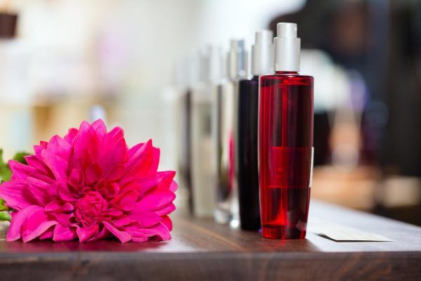 El arte de hacer perfumes naturales caseros