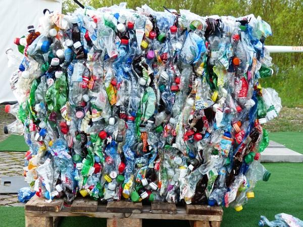 El proceso de reciclaje de una botella de plástico - Cómo se recicla una botella de plástico