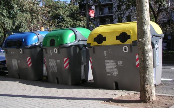 Qué se recicla en el contenedor amarillo - Qué contenedores existen para tirar la basura y reciclar