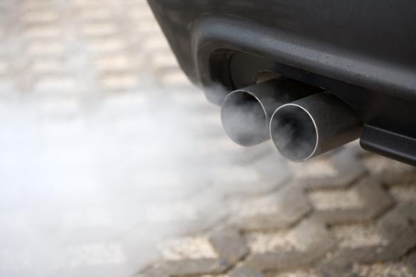 Qué contamina más el diésel o la gasolina