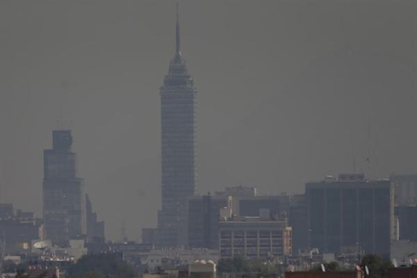Principales causas de la contaminación ambiental en México - Una ciudad densamente poblada: Ciudad de México