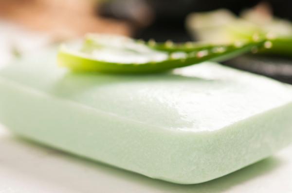 Cómo hacer jabón para lavavajillas ecológico - Cómo hacer lavavajillas casero con aloe vera