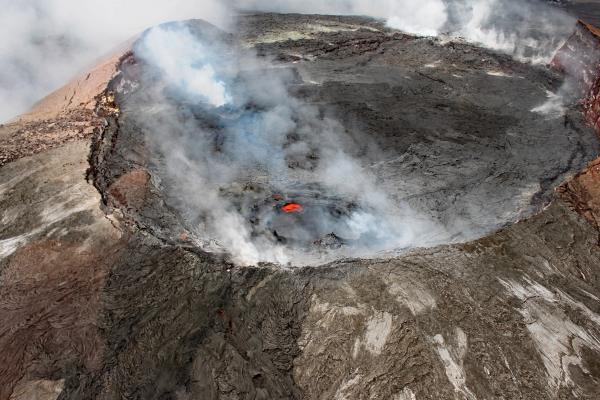 Partes de un volcán - Cráter