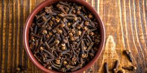 Clavo de olor: propiedades, para qué sirve y contraindicaciones