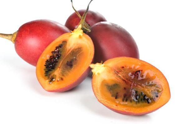 30 nombres de frutas tropicales raras - Tamarillo
