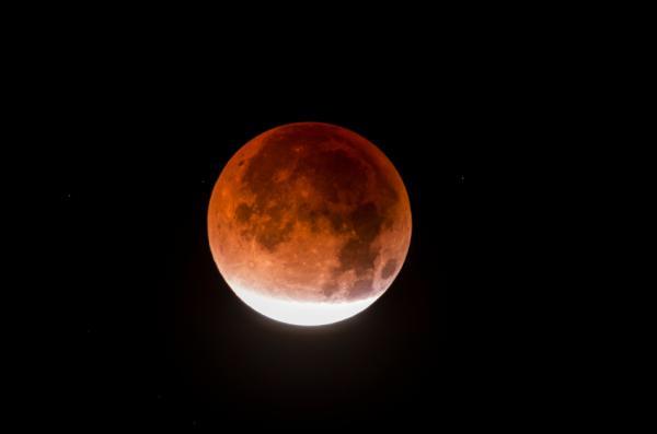 La importancia de la Luna sobre la Tierra - ¿Hay influencia de la luna en las personas?
