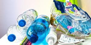 Cómo reciclar plástico en casa