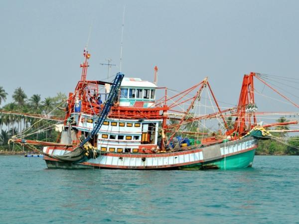 Qué es la pesca de arrastre - Tipos de barcos de arrastre o arrastreros