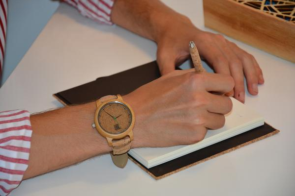 Los mejores relojes de pulsera de madera y corcho - Relojes de madera y corcho: la última moda