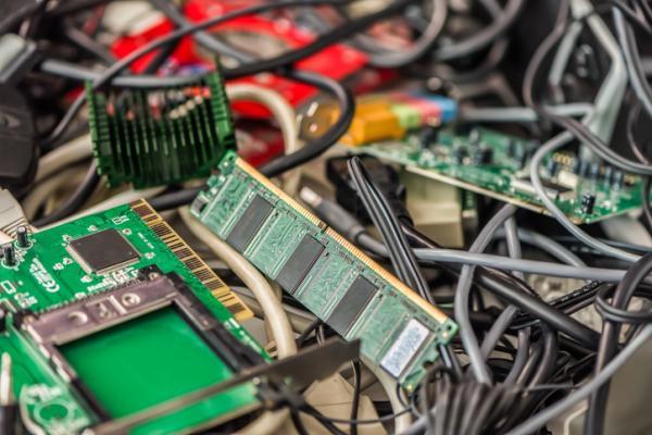 Qué hacer con la basura tecnológica - Qué peligros conlleva la basura tecnológica