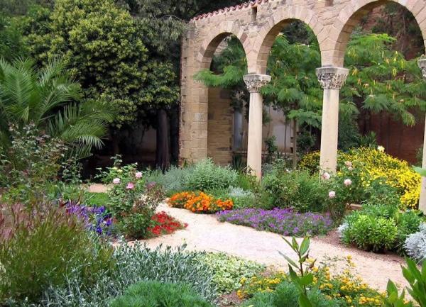 11 tipos de jardines - Jardín mediterráneo