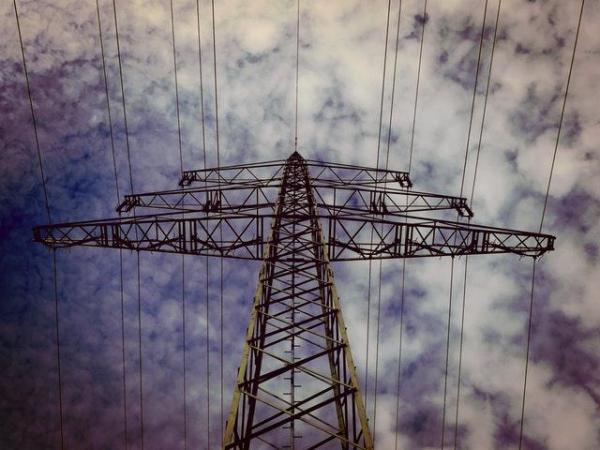 Pollution électromagnétique : Causes, conséquences et solutions